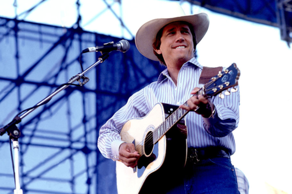 country-throwback-watch-george-strait-talk-about-singing-army-1982-interview