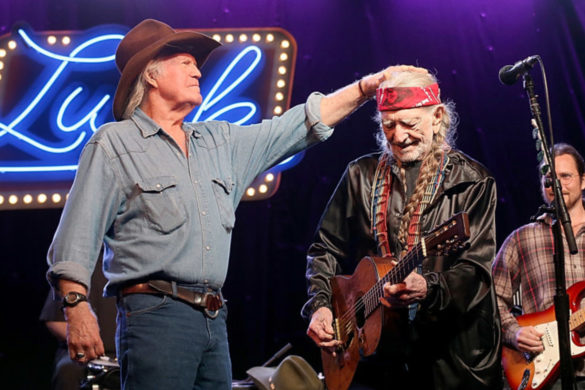 willie-nelson-reflects-on-billy-joe-shavers-death-shares-audio-2012