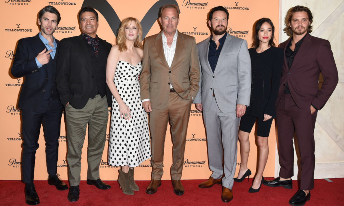 yellowstone-tv-where-to-watch-first-three-seasons-online