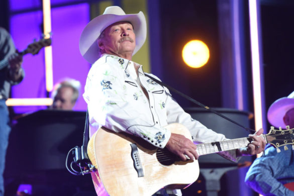 country-throwback-relive-alan-jackson-making-appearance-on-home-improvement