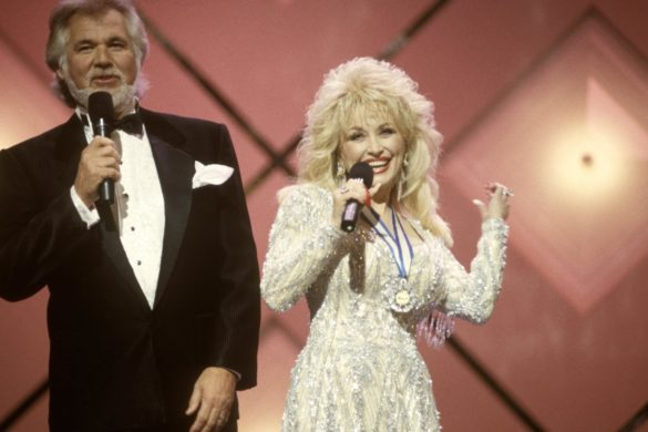 country-throwback-watch-dolly-parton-belt-i-will-always-love-you-kenny-rogers-farewell-concert