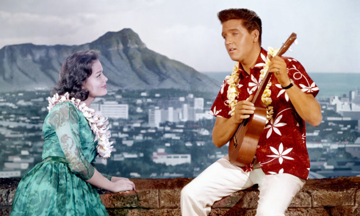 country-throwback-watch-elvis-presley-croon-cant-help-falling-in-love-in-1961s-blue-hawaii