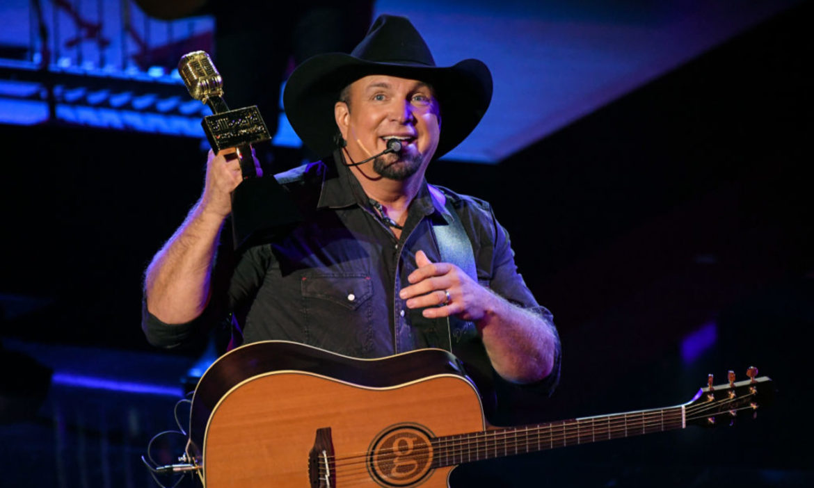 garth-brooks-praises-charley-pride-explains-why-he-is-a-freak-of-nature