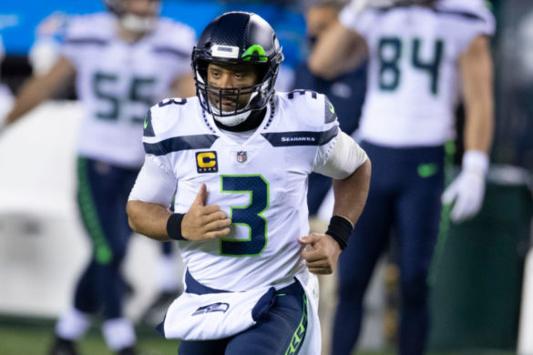 russell-wilson-claims-hes-better-than-tim-tebow-baseball