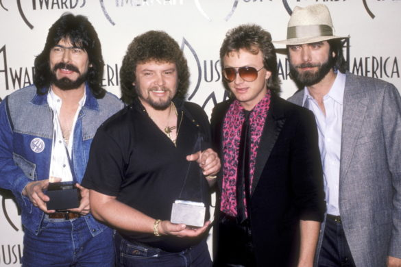 this-day-alabama-releases-number-one-single-she-and-i-1985