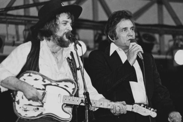 country-throwback-waylon-jennings-johnny-cash-sing-there-aint-no-good-chain-gang-tv-1980