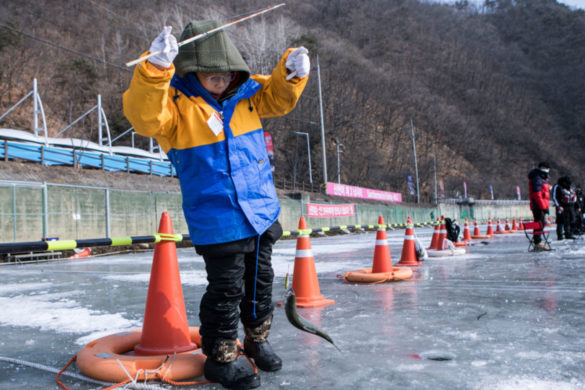 ice-fishing-with-kids-what-know-before-taking-your-young-angler-out-on-ice