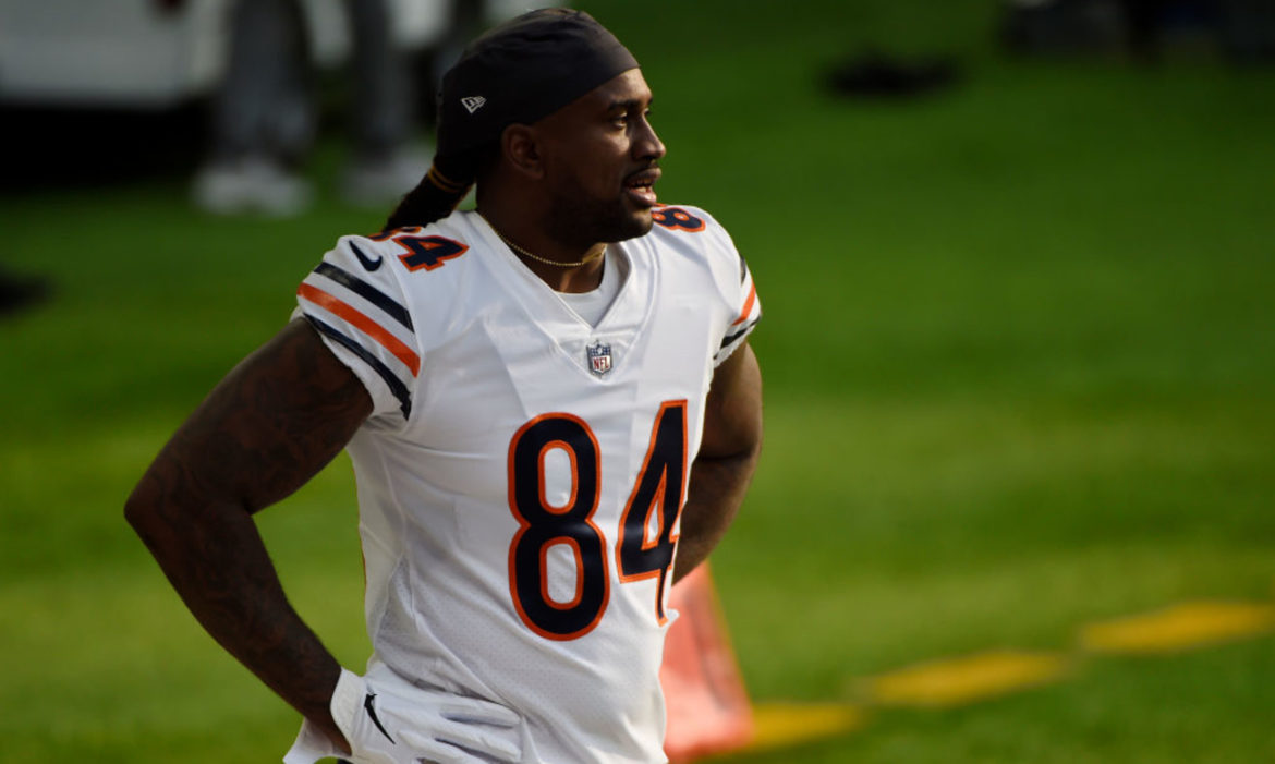 watch-chicago-bears-player-f-bomb-picked-up-by-hot-mic-nickelodeon-nfl-playoff-broadcast