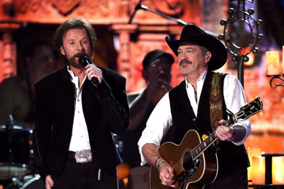 country-throwback-brooks-dunn-perform-better-all-the-time-at-2004-cma-awards