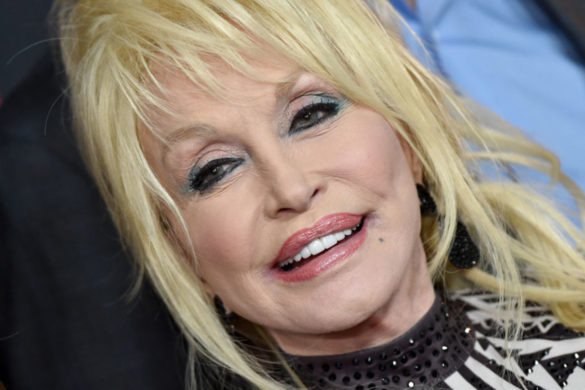 watch-barry-gibb-shares-studio-video-of-him-and-dolly-parton-for-new-album