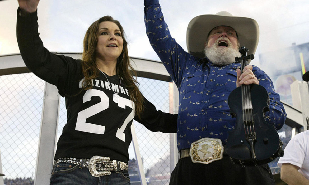 watch-charlie-daniels-crushes-the-devil-went-down-to-georgia-with-gretchen-wilson-at-2005-super-bowl