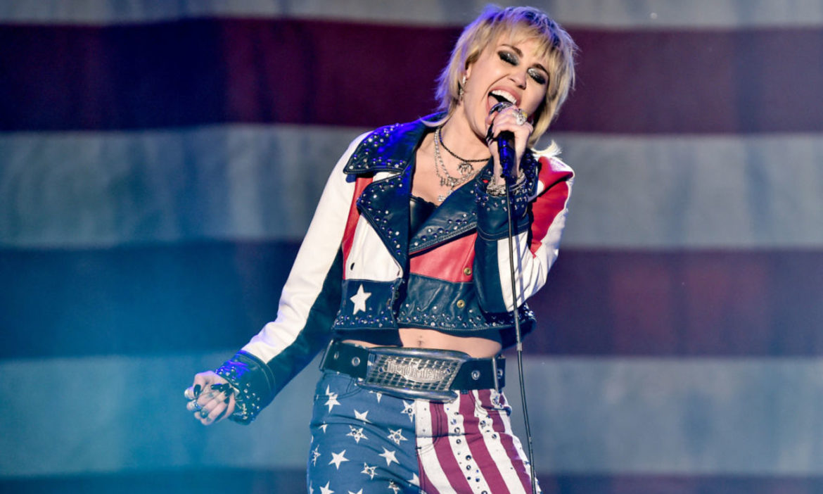 miley-cyrus-gave-shout-out-britney-spears-during-super-bowl-performance-amid-documentary-controversy