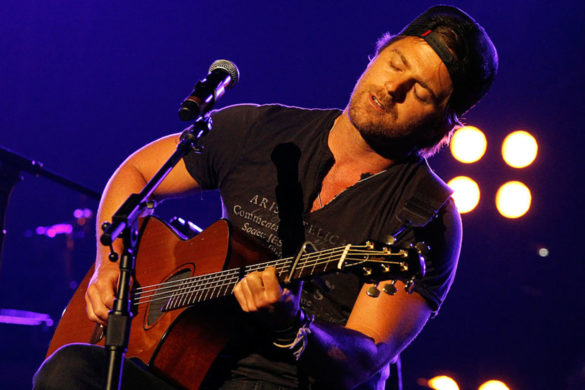 kip-moore-opens-up-on-heartbreaking-song-about-his-fathers-death-heaviest-song-ive-ever-written