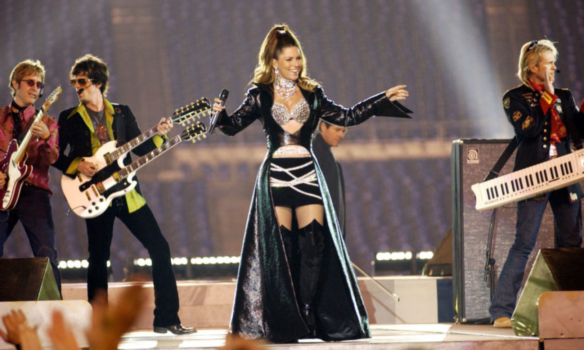 shania-twain-posts-pic-from-super-bowl-lv-looks-back-at-half-time-show-performance-in-2003