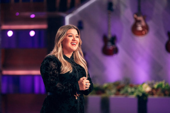 kelly-clarkson-entrance-white-house-behind-scenes-video
