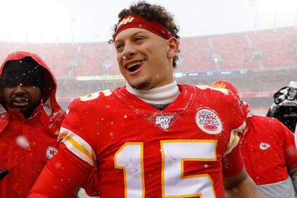 patrick-mahomes-mom-posts-new-family-time-selfie-nfl-superstar-son