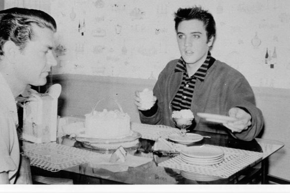 elvis-presleys-favorite-banana-pudding-how-make-southern-treat-from-graceland-kitchen