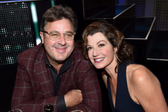 vince-gill-amy-grant-celebrate-anniversary-sweet-photo