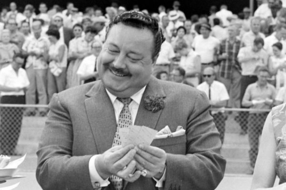 the-honeymooners-star-jackie-gleason-still-holds-record-most-weeks-atop-billboard-charts