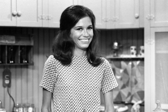 mary-tyler-moore-didnt-have-supportive-parents-revealed-person-pushed-acting-success