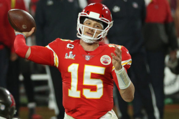 patrick-mahomes-fires-back-after-tom-brady-hilariously-responds-mlb-player-wearing-his-jersey