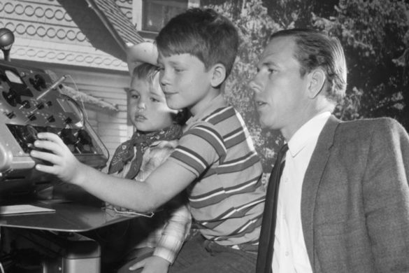 ron-howards-dad-rance-howard-helped-win-movie-debut-by-doing-this