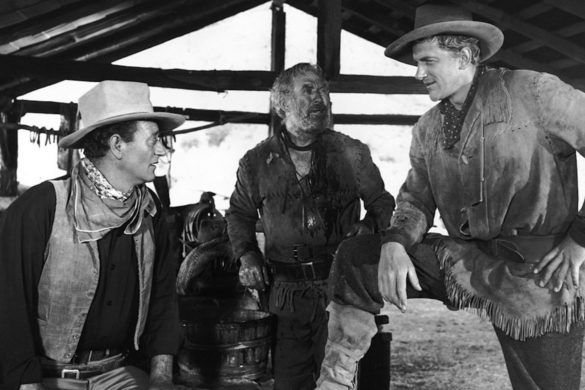 john-wayne-wanted-to-cast-gunsmoke-star-james-arness-in-the-alamo-heres-why-he-never-landed-role