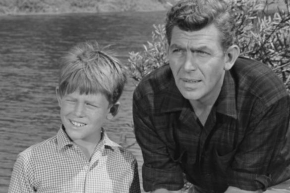 the-andy-griffith-show-griffith-heard-shows-iconic-theme-song-during-high-profile-concert