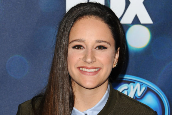 american-idol-former-contestant-avalon-young-second-brain-cancer-surgery-op-updates-fanson-young-has-second-brain-cancer-surgery-op-updates-fans