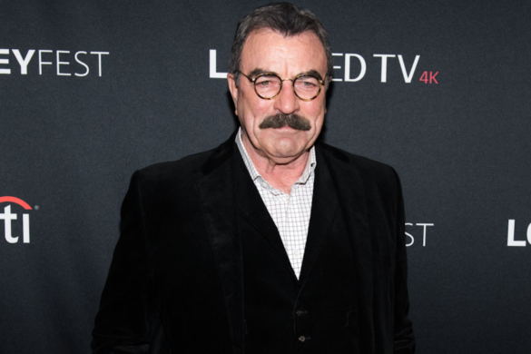 blue-bloods-tom-selleck-sometimes-salutes-nypd-officers