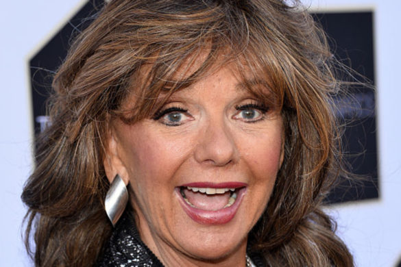 gilligans-island-dawn-wells-hilariously-suspected-sniffing-cocaine-reunion-set