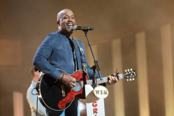 on-this-day-darius-rucker-debuts-first-country-single-dont-think-i-dont-think-about-it-2008