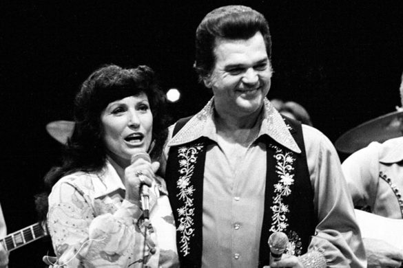 loretta-lynn-emotionally-tributes-conway-twitty-anniversary-death-he-was-brother-me