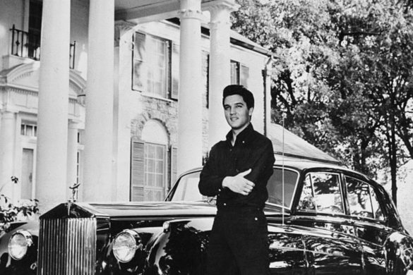 on-this-day-elvis-presley-spent-first-night-graceland-home-1957