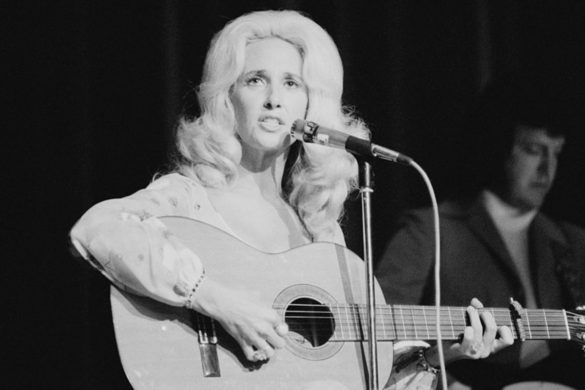 on-this-day-tammy-wynette-goes-to-the-top-with-d-i-v-o-r-c-e-1968