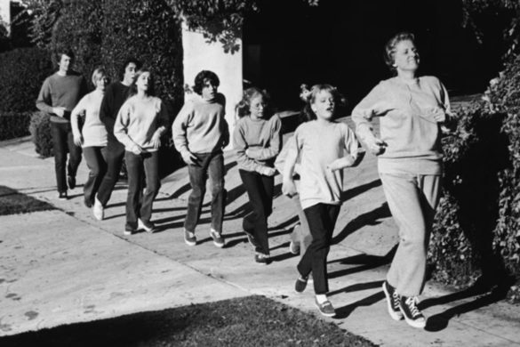 the-brady-bunch-cast-emotionally-remembered-time-robert-reed-took-trip-uk