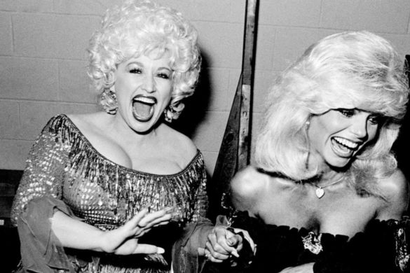 dolly-parton-doesnt-hold-back-reflecting-movie-career