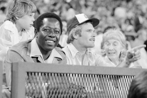 happy-days-baseball-hank-aaron-guest-starred-on-show