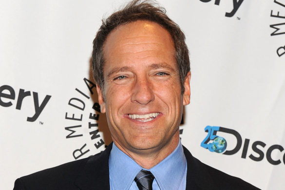 mike-rowe-shows-value-hard-work-emotional-video-supporting-students