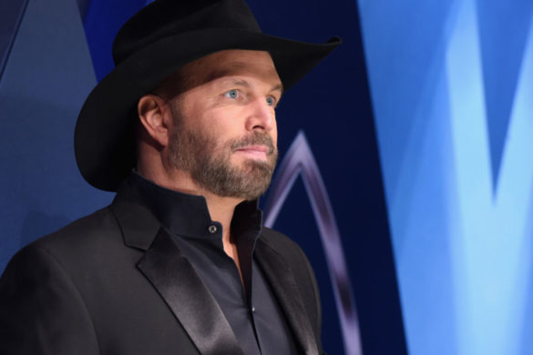 top-20-best-selling-country-artists-of-all-time-no-1-garth-brooks