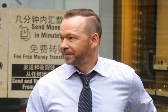 blue-bloods-star-donnie-wahlberg-shows-love-nkotb-fans-blockhead-fam