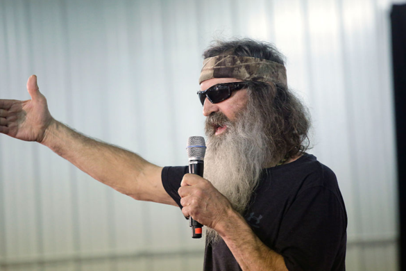 duck-dynasty-star-phil-robertson-recalls-hilarious-zz-top-story-giving-dusty-hill-eulogy