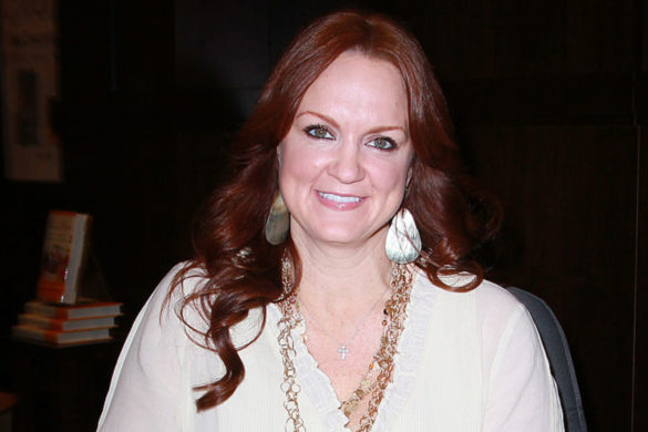 pioneer-woman-ree-drummond-posts-breathtaking-video-cattle-ranch-that-husband-ladd-filmed-from-his-horse