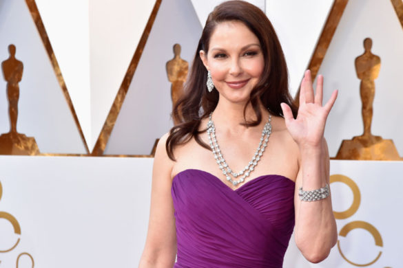 watch-ashley-judd-walks-first-time-almost-6-months-since-major-leg-injury-national-park