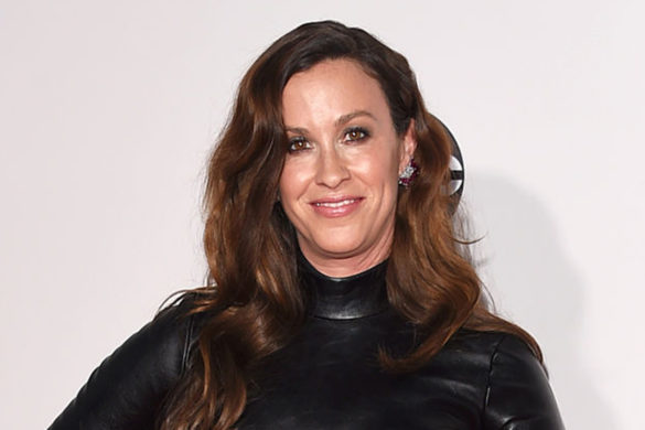 alanis-morissette-furious-new-documentary-jagged-boycotting-events-related-project