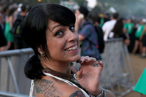 american-pickers-star-danielle-colby-drops-high-school-pic-looks-exactly-like-her-daughter