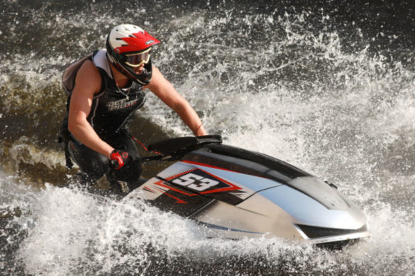boater-comes-to-couples-aid-after-jet-ski-accident-in-missouri