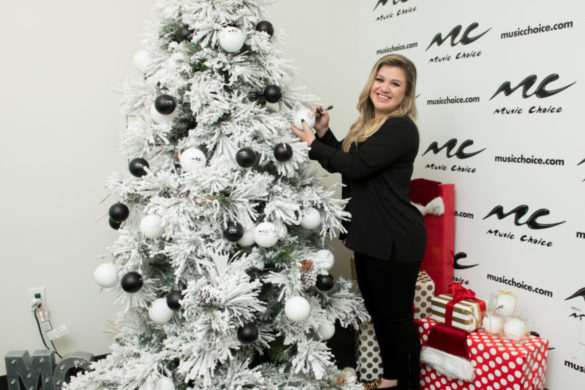 kelly-clarkson-new-holiday-single-christmas-isnt-canceled-just-you