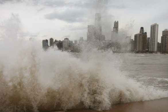 watch-massive-wave-wipes-out-jogger-chicago-lakefront