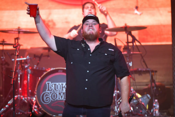 luke-combs-has-cold-beer-calling-name-celebrating-1-collab-jameson-rodgers